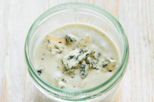 заправка соус для салата с синим сыром