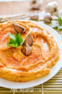 рецепт хумуса из нута с печеным чесноком