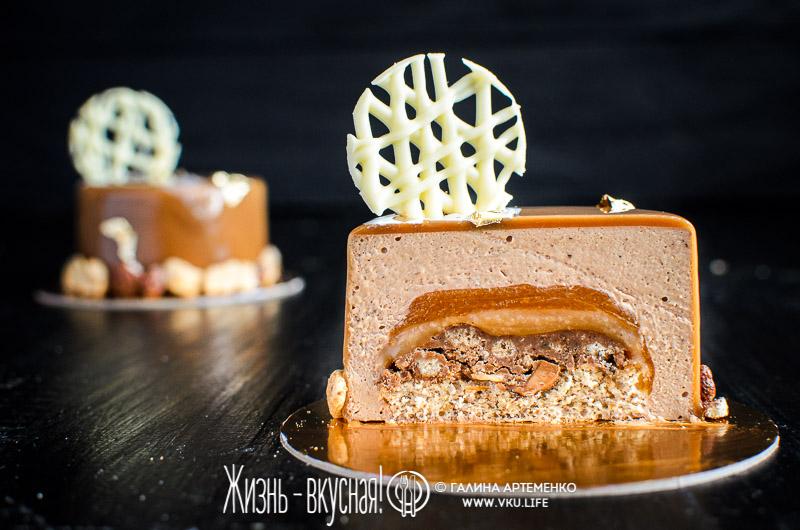 торт с фундуком и карамелью