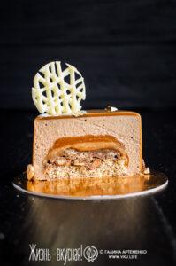 торт с фундуком и шоколадом